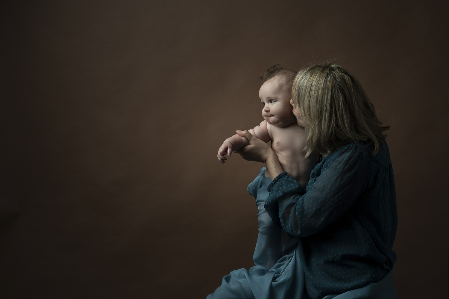 motherhood photoshoot in the studio